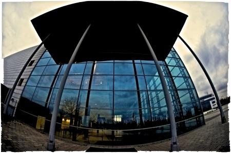 Bulbous Building (Nikon D7000, Walimex f/3.5 8mm, f/5.6, 1/60 sec., ISO 1100, diverse Nik Software filters)