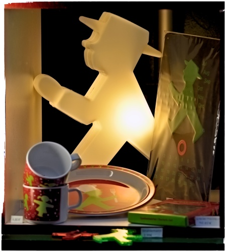 "21 years later, ""Ampelmännchen"" sells souvenirs and chotchkes very well, thank you"