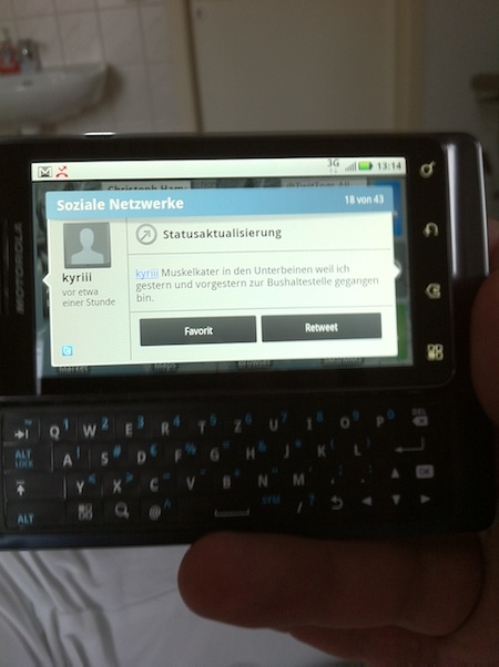 Motorola Droid 2 with a Nerdy Twitter Status Update
