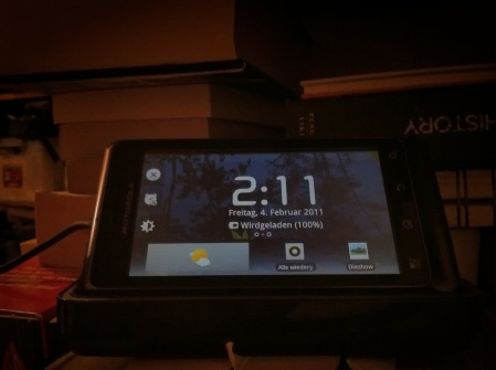 Motorola Droid 2 in the Dock, in Nightstand Mode, dimmed