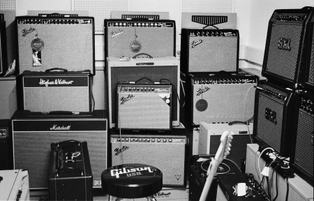 No, I didn't buy all those amps. Just the small one in the middle.