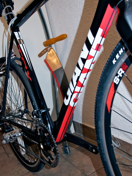 The top tube cable routing