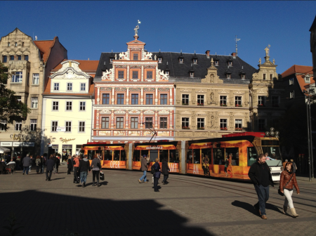 Erfurt market place provided a resolution sample scene